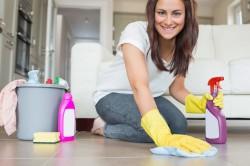 Влажная уборка помещения для профилактики аллергии
