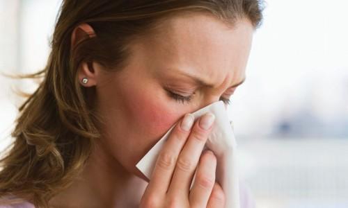 Чихание при аллергии и простуде