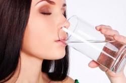 Соблюдение питьевого режима для выведение аллергена из организма