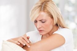 Зуд - признак аллергии на йоркширского терьера