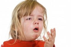 Сильный кашель и слезоотделение при аллергии на пыль