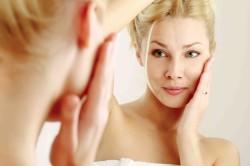 Проявления аллергии на коже лица