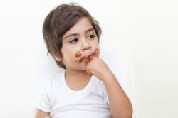 Злоупотребление сладостями - причина аллергии