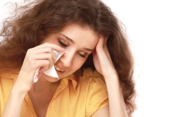 Слезоточивость - симптом аллергии