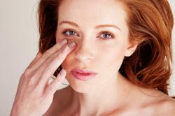 Зуд и покраснение глаз - симптом аллергии